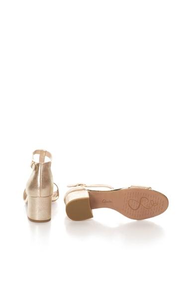 Clarks Sandale auriu deschis de piele Barley Belle Femei